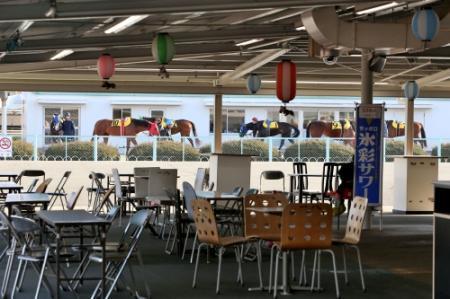 飲食 店 ガラガラ